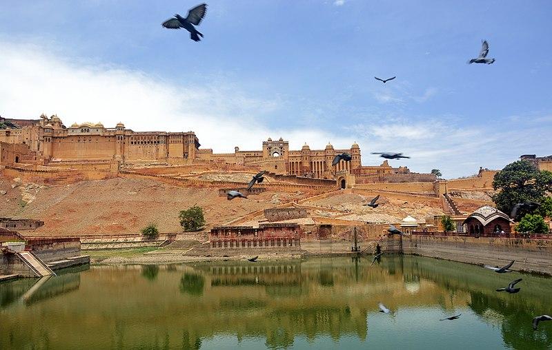 राजा ने किले में छिपाया है बेहिसाब रत्न और सोना, इंदिरा ने भी कोशिश की थी निकालने की पर......