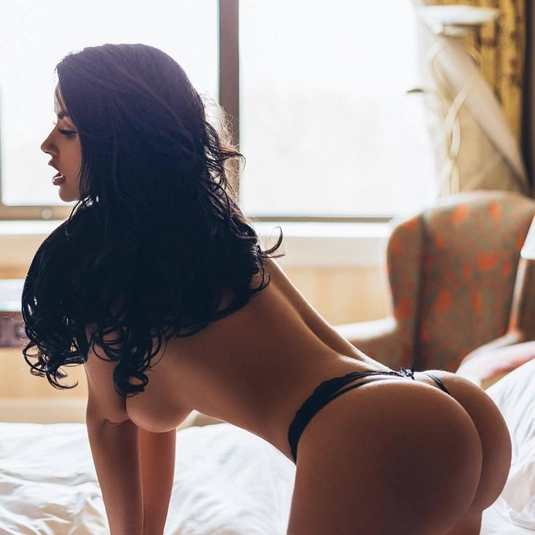Latina mom twerk big booty | Beautiful Ass 18 +|