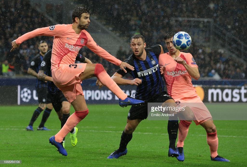 صور مباراة : إنتر ميلان - برشلونة 1-1 ( 06-11-2018 )  Y8