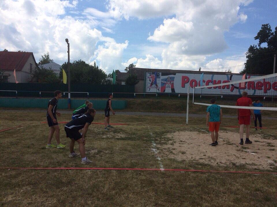 Альбом  XV Областные летние сельские спортивные игры. Токаревский район занял 4 место в общекомандном зачете.