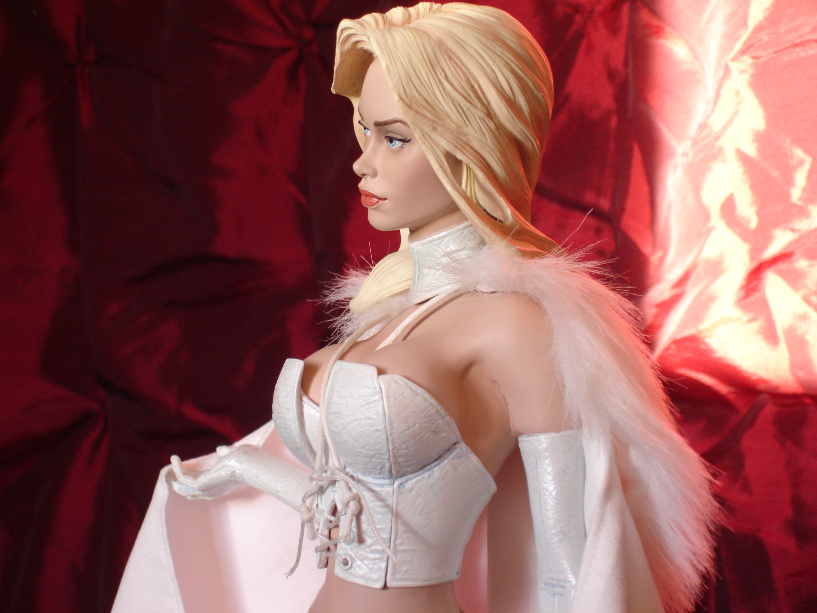 Emma Frost PF Custom - Statue Forum