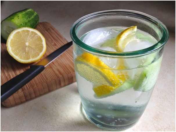 8_Drinks_To_Freshen_Up_Your_Body_During_Ramadan_Cucumber_Lemon_Water