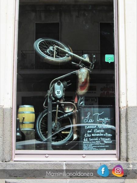 Foto di moto d'epoca o rare avvistate per strada - Pagina 17 Laverda