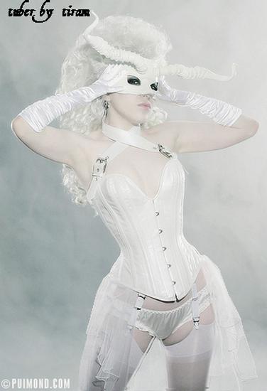 lady_baroque_tiram_96