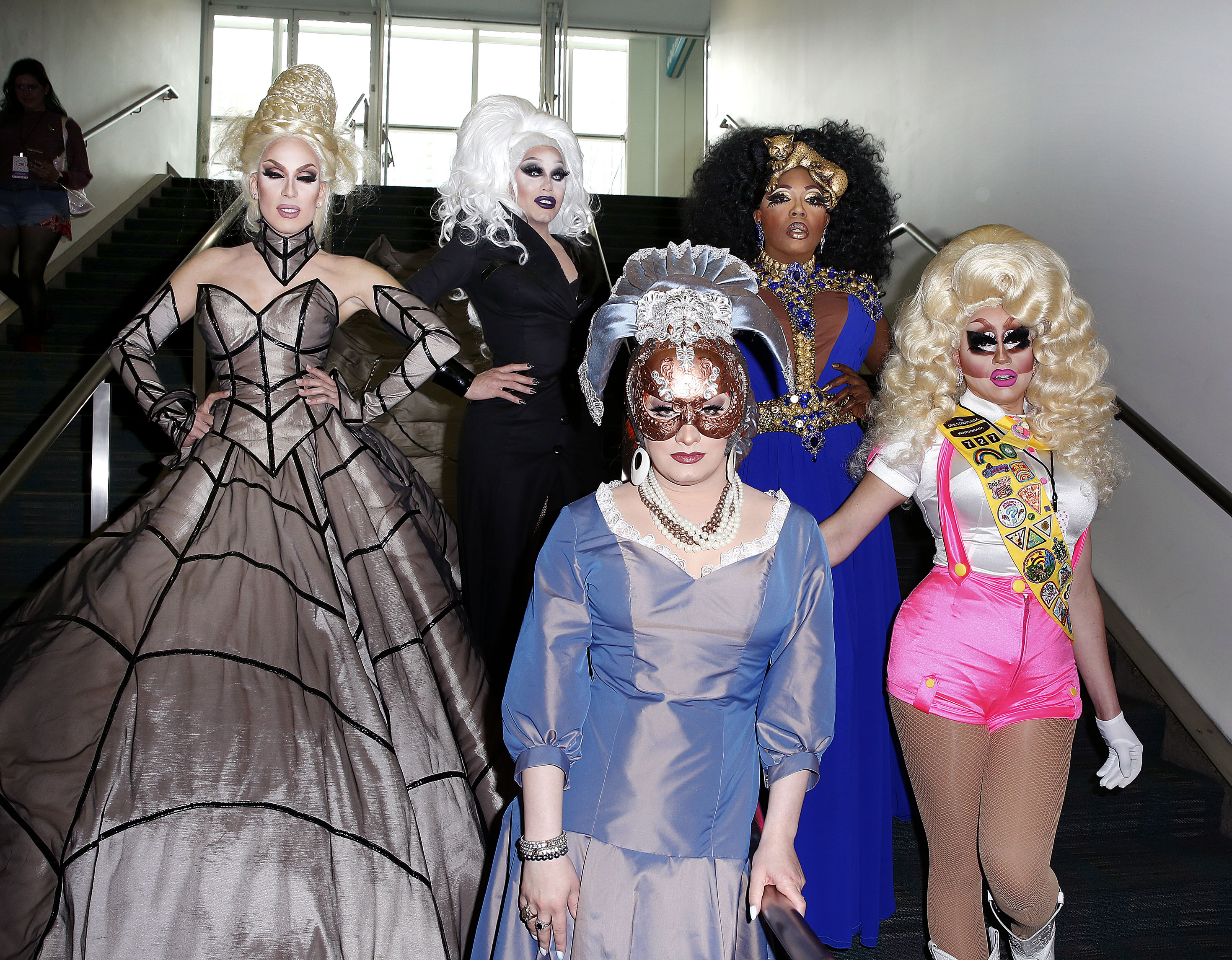 Alaska Sharon Needles Jinkx Monsoon Trixie Mattel Be Be Zahara Benet Dragcon
