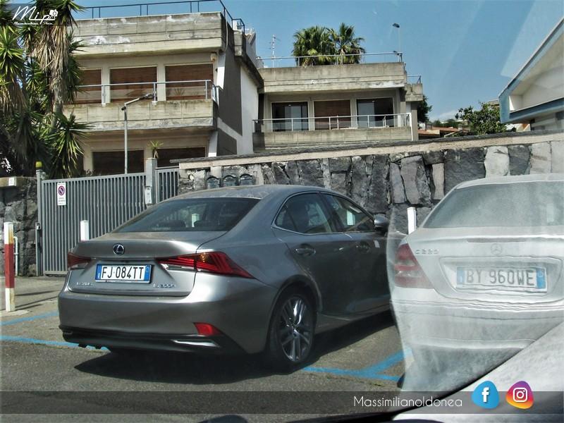 Avvistamenti auto rare non ancora d'epoca - Pagina 12 Lexus_IS300h_2_5_181cv_17_FJ084_TT