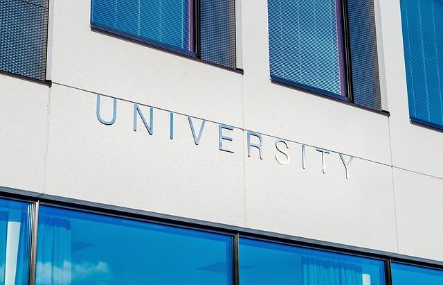 university_2119707_640
