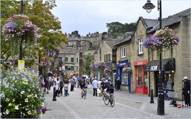 Hebden_bridge_centre_blg