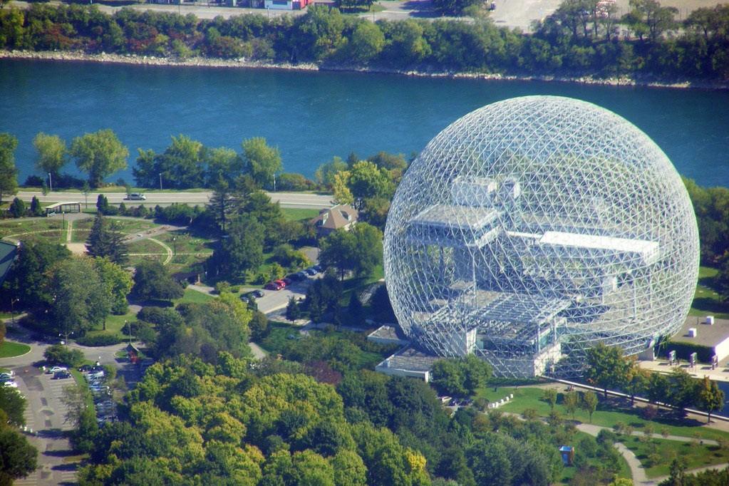 Геокупол музея биосферы в Монреале