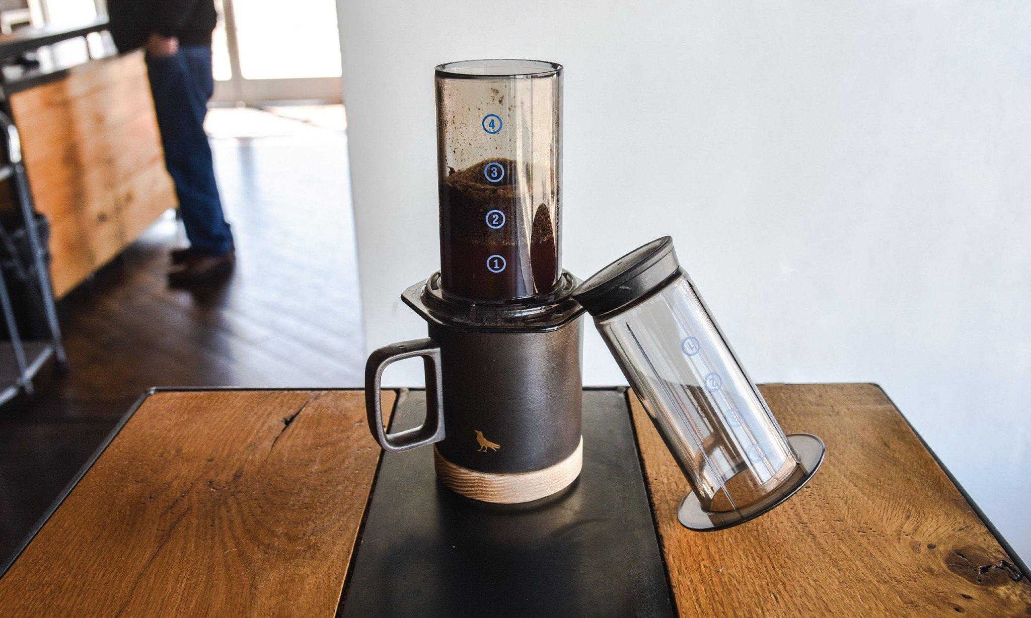 aeropress zaparzacz do alternatywnych metod parzenia kawy
