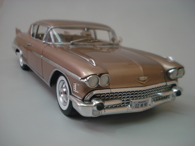 Cadillac Seville 1958 - Arii - 1/24 - Concluido DSC05876