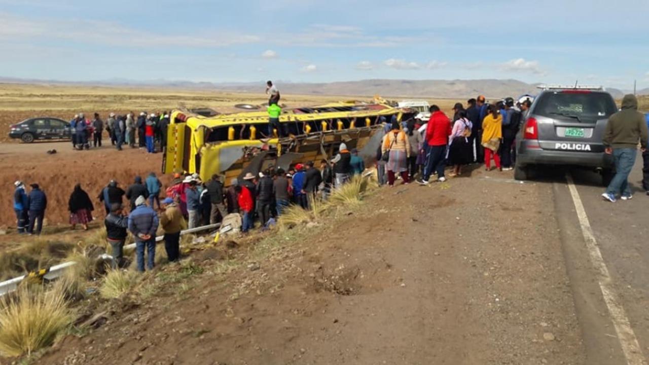 Drama y dolor por accidente de transito que dejó 20 fallecidos en vía Desaguadero-Tacna