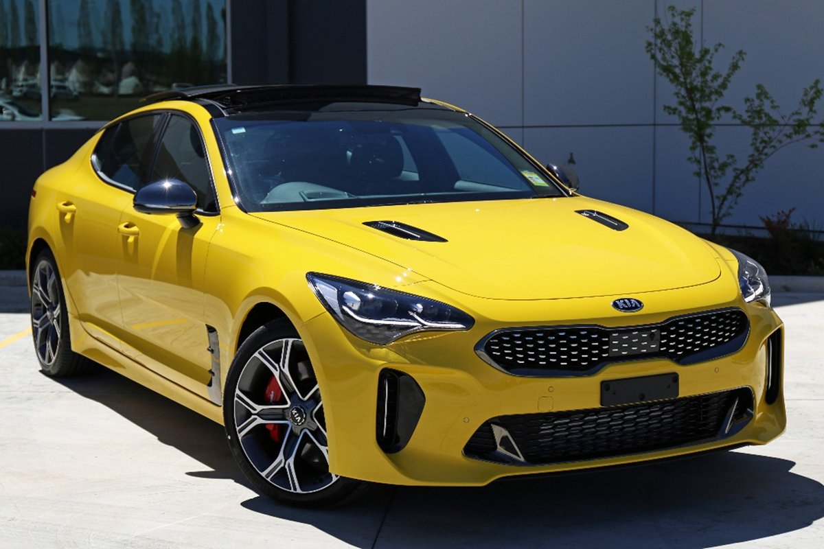 sunset_yellow_kia_stinger_1.jpg