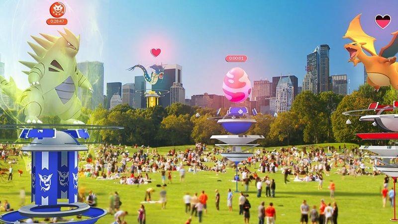 Choáng ngợp trước hình ảnh game thủ Pokemon GO đông như kiến ở Nhật