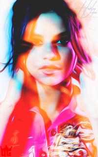 Selena Gomez 320_2