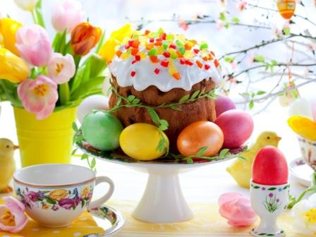 Easter_Cake_And_Eggs_800x600
