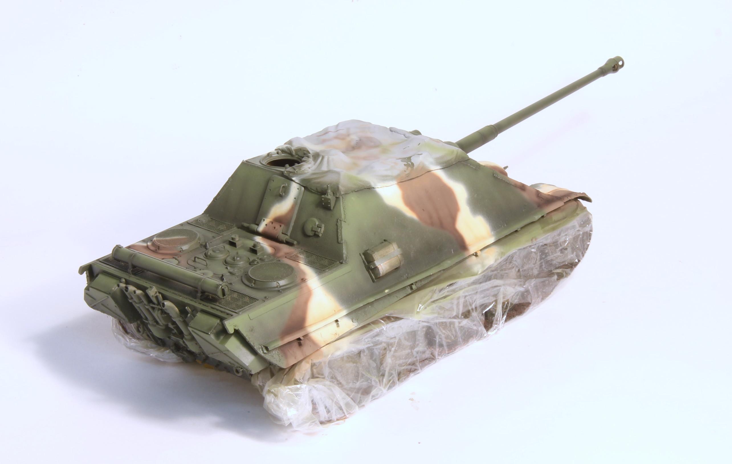 Jagdpanther Tamiya (char fini) 1/35 - Page 2 IMG_3068
