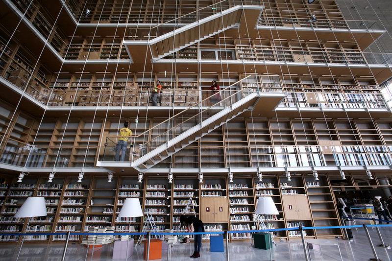 Η Εθνική βιβλιοθήκη μετακομίζει