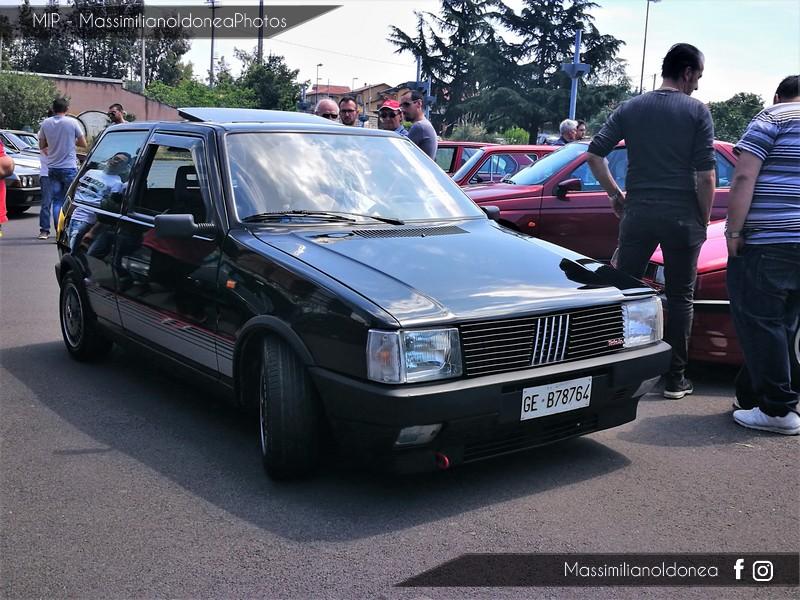 Parking Vintage - Pagina 3 Fiat_Uno_Turbo_i_e_1_3_105cv_88_GEB78764_1