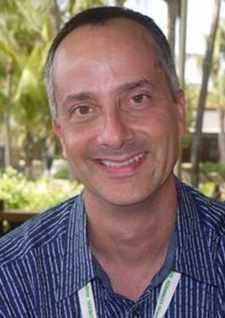 Alan Abrahamsom, co-autor de Sem Limites