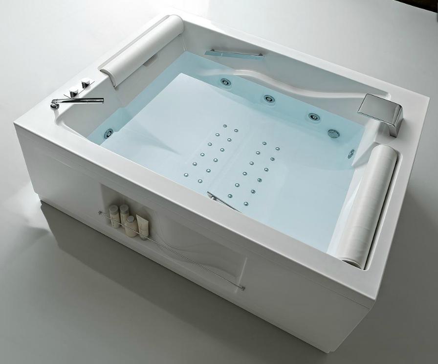 Прямоугольная ванна с гидромассажем