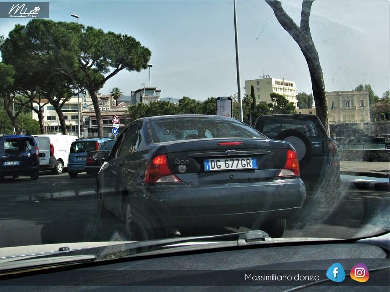 Avvistamenti auto rare non ancora d'epoca - Pagina 12 Ford_Focus_Sedan_TDdi_1_8_90cv_DG677_GR