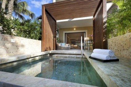 TRS_PRIVATE_POOL_JR_SUITE
