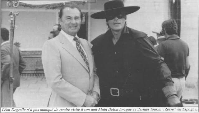 Léon Degrelle con el actor Alain Delon caracterizado de El Zorro, en España