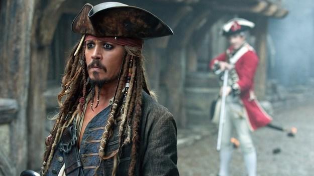 Джонни Деппа в «Пиратах Карибского моря» заменят на рыжеволосую девушку