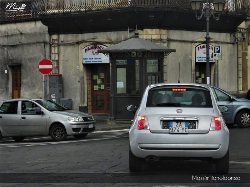 Avvistamenti di auto con un determinato tipo di targa - Pagina 18 Fiat_500_ZA974_YC_3