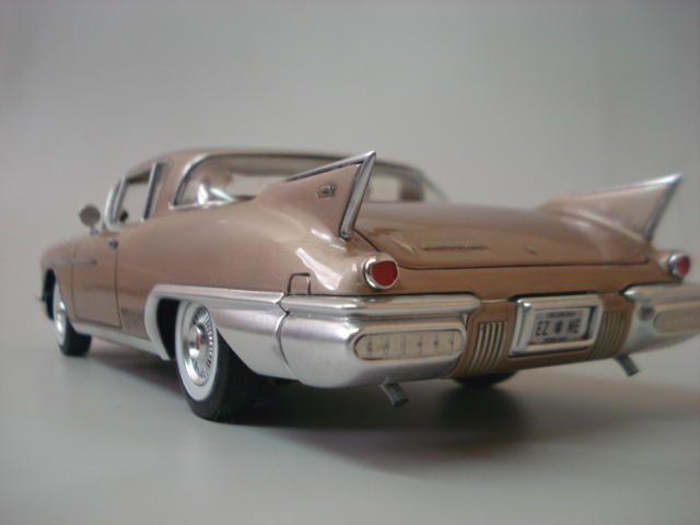 Cadillac Seville 1958 - Arii - 1/24 - Concluido DSC05896
