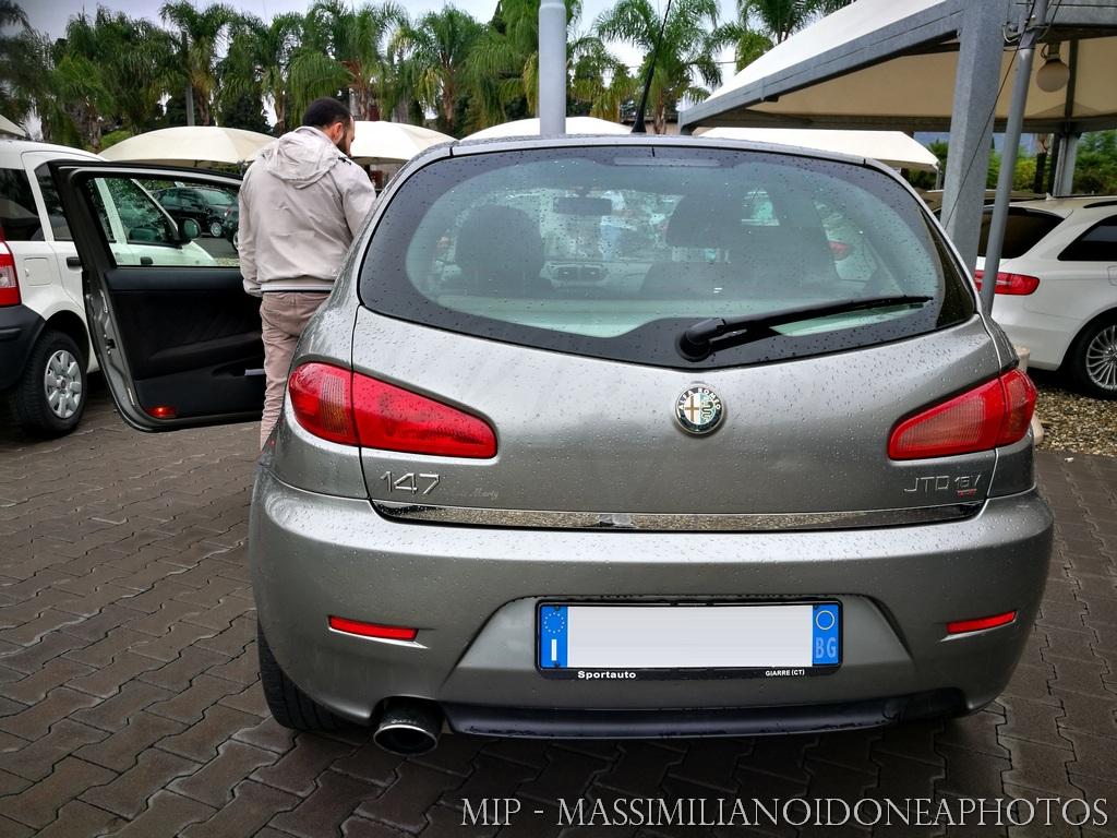 Auto di casa Enea - Pagina 24 Alfa_Romeo_147_JTDm_1_9_150cv_05_CY939_BA_2