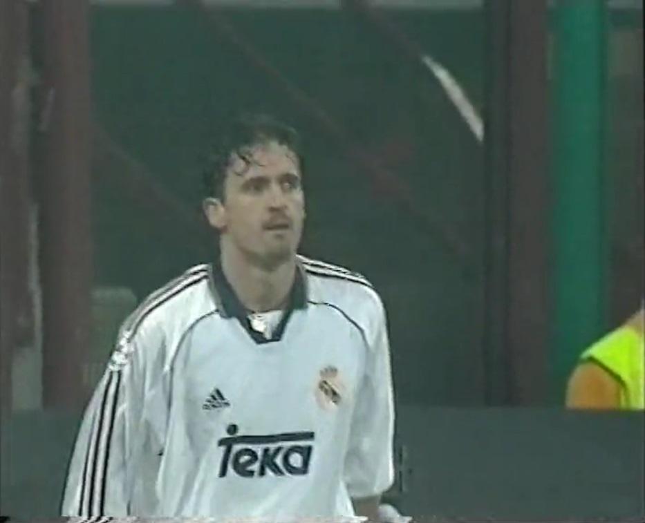 Champions League 1998/1999 - Grupo C - J5 - Inter de Milán Vs. Real Madrid (576p) (Italiano) Captura_4