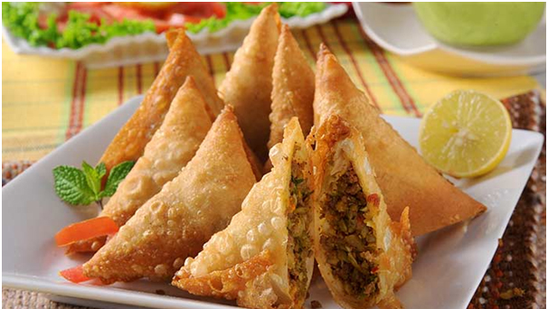 What_To_Cook_Namkeen_On_This_Meethi_Eid_Chicken_Samosa