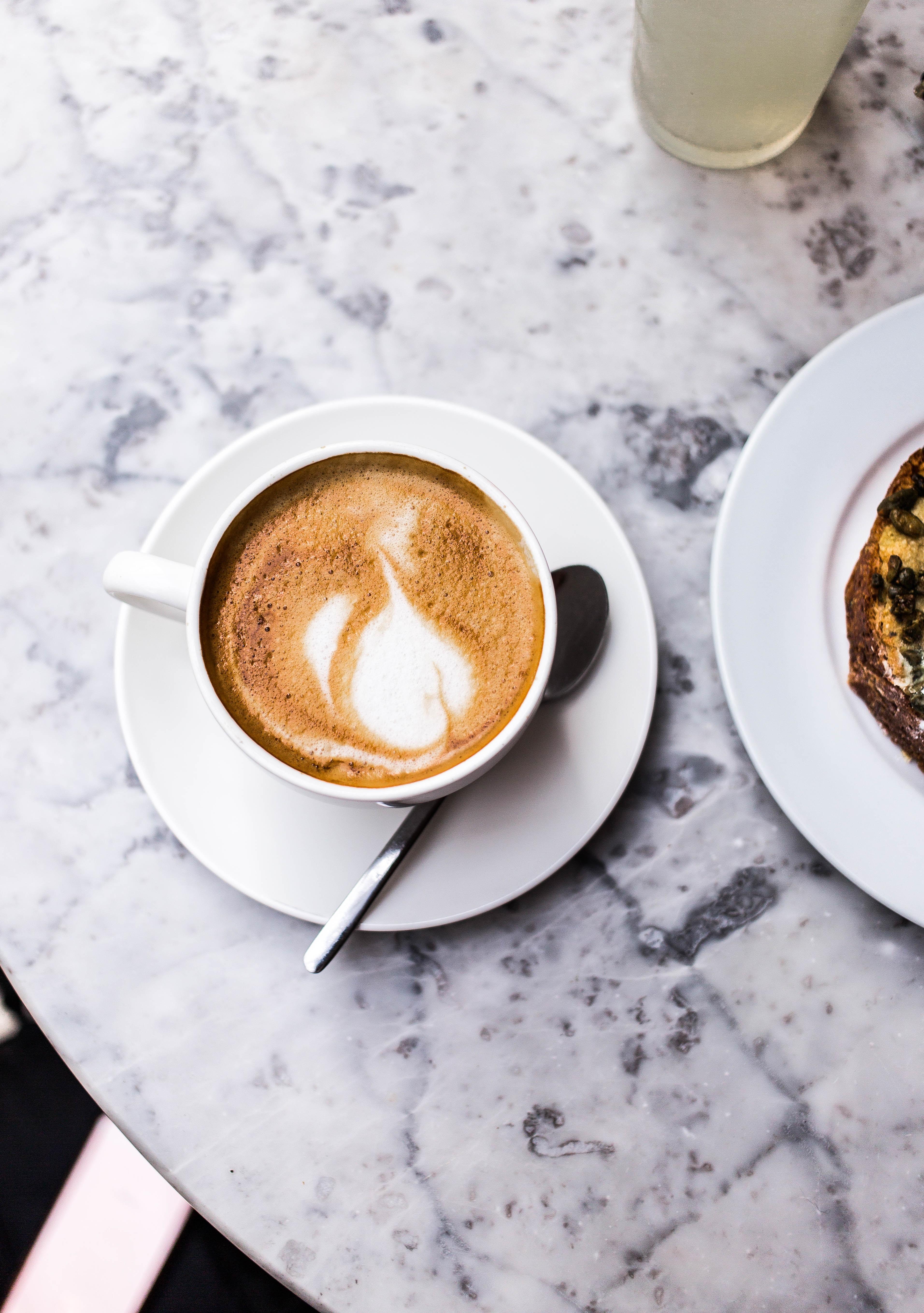 kawa z mlekiem, skutki picia kawy z mlekiem
