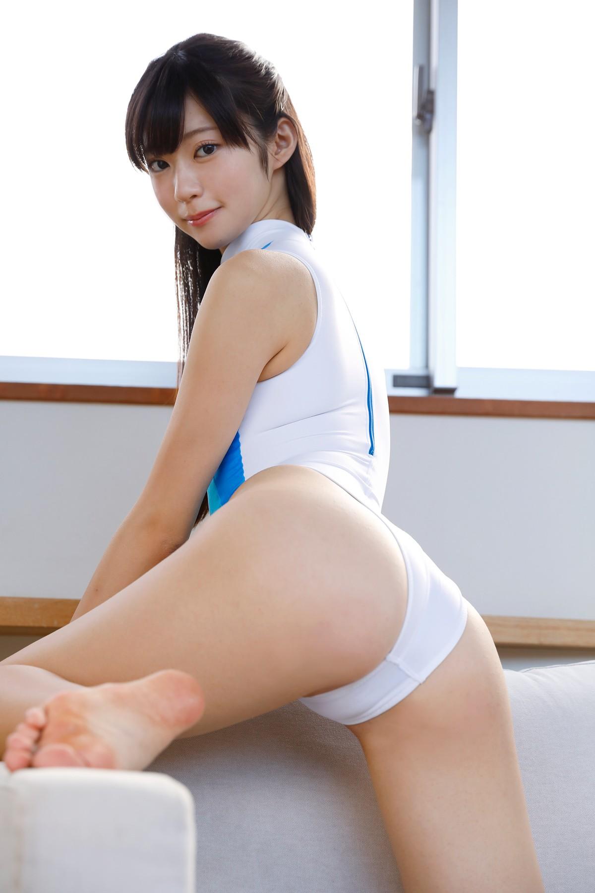 从大尺度写真偶像到 EVA 赛车女郎-田中めい推荐