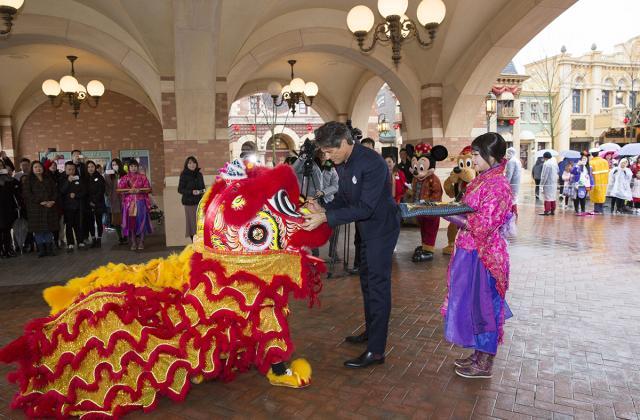 Shanghai Disneyland (2016) - Le Parc en général - Page 39 W785
