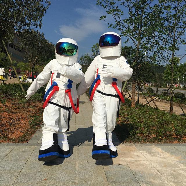 [Jeu] Racontons un film en suite d'image !  - Page 3 Halloween_Outfit_Costumes_costume_astronaute_cosmonaute_costume_de_mascotte_pour_adultes_Livraison_gratuite_jpg_640x640