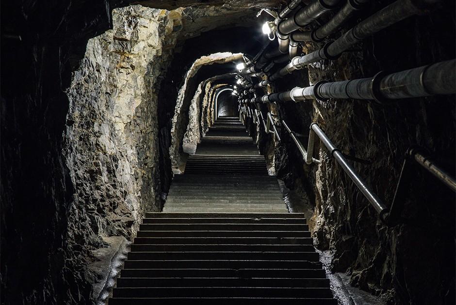 El fotógrafo empezó a estudiar las montañas suizas de forma más profunda en el verano del 2010