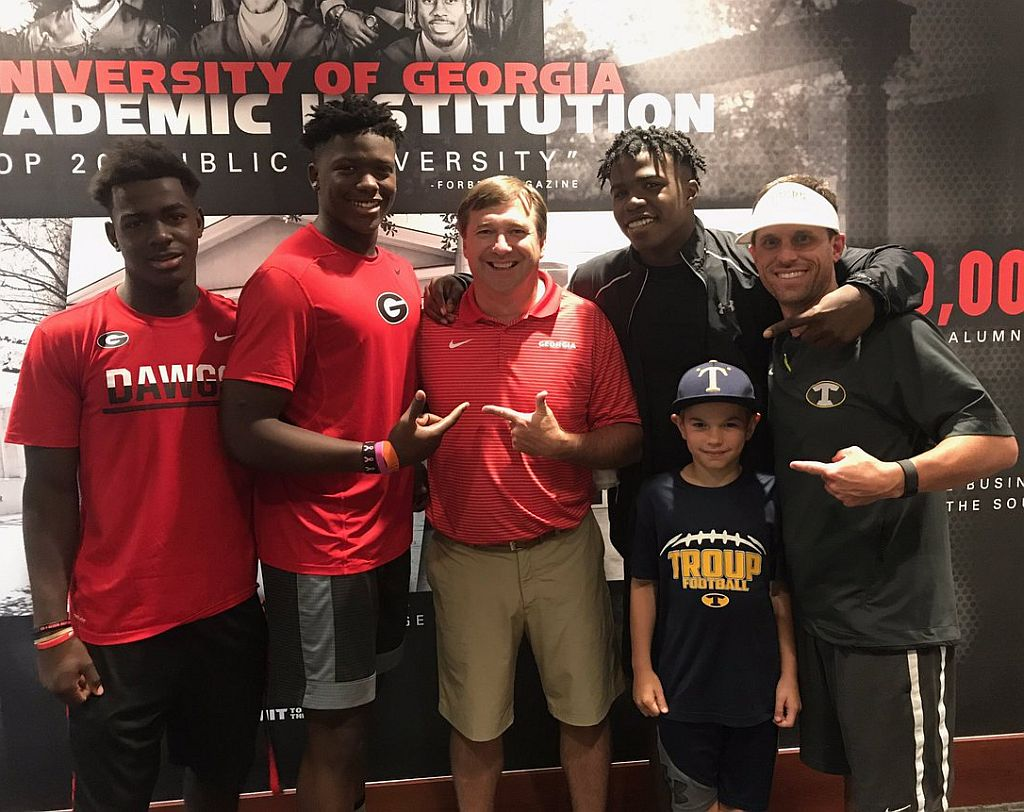2020 DE Andy Boykin with UGA Head Coach Kirby Smart and Troup County Head Coach Tanner Glisson (Photo from Coach Tanner Glisson / Twitter)