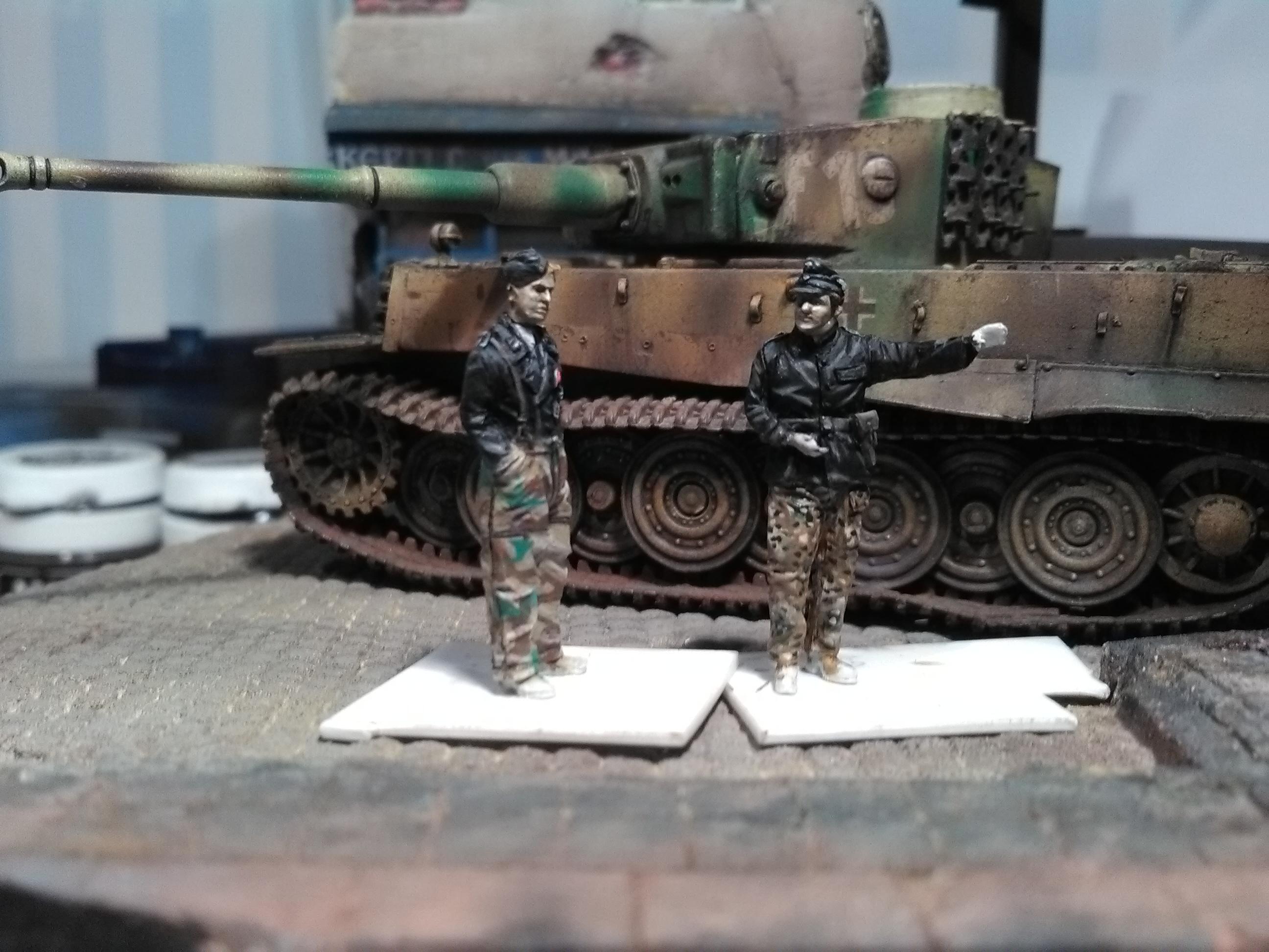 Le Survivant 1/72 - (Tigre 1 Allemagne 1945) - Page 2 IMG_20161203_200813