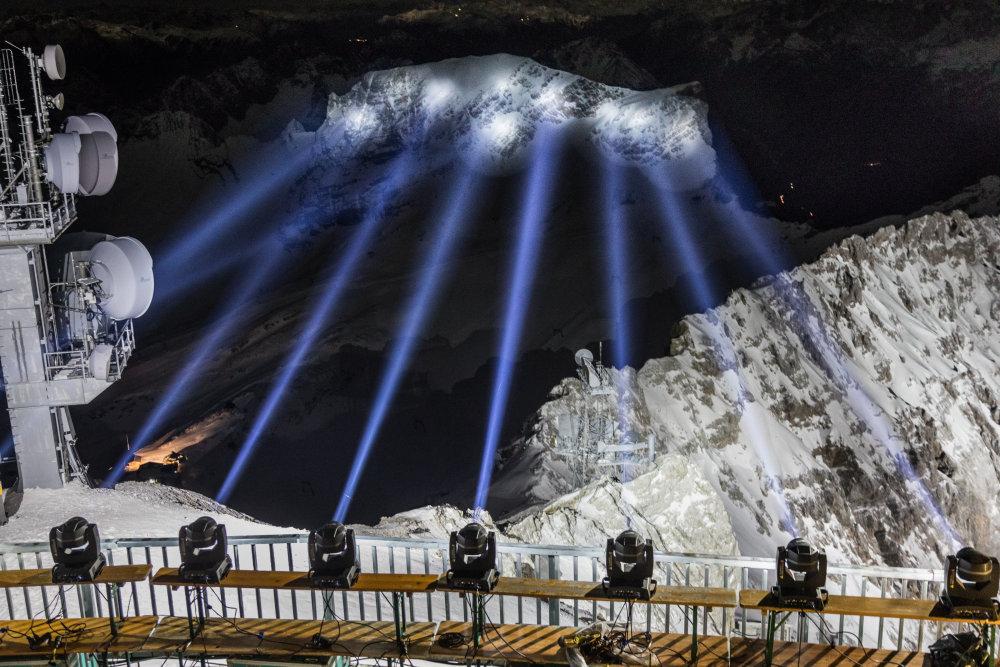 1 4 - Впервые в мире! Высококлассное спортивное мероприятие и новейшая технология на уровне почти 3000 метров над уровнем моря!