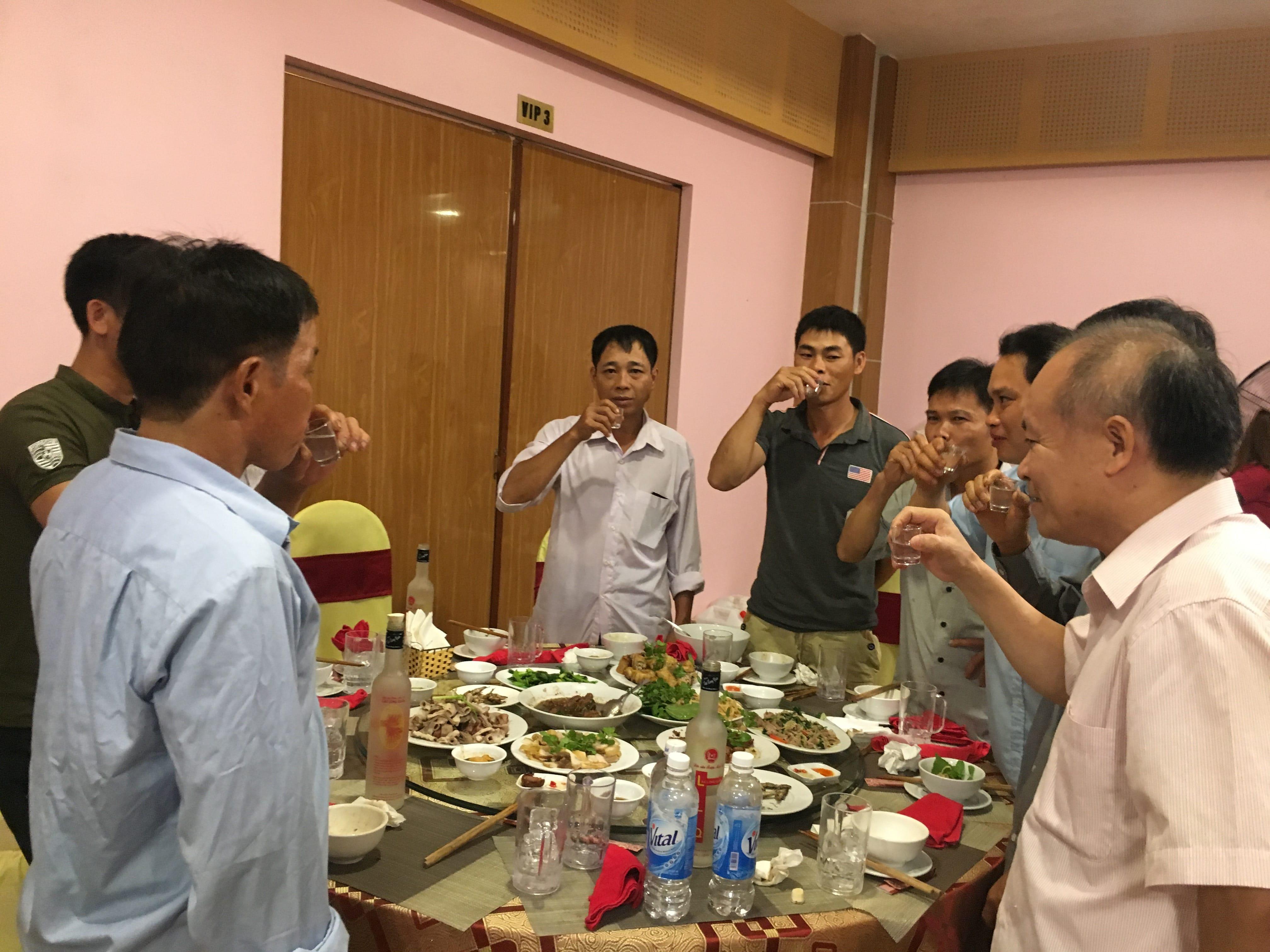 Thầy Đỗ Tuấn Khiêm -  Giám đốc Sở Khoa học Công nghệ, chúc các hộ nông dân có 1 chuyến tham quan học tập kinh nghiệm bổ ích
