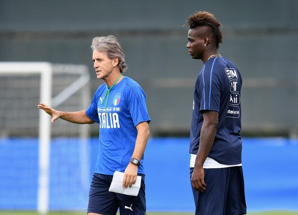 Mario_Balotelli_Roberto_Mancini_Italy_Tr