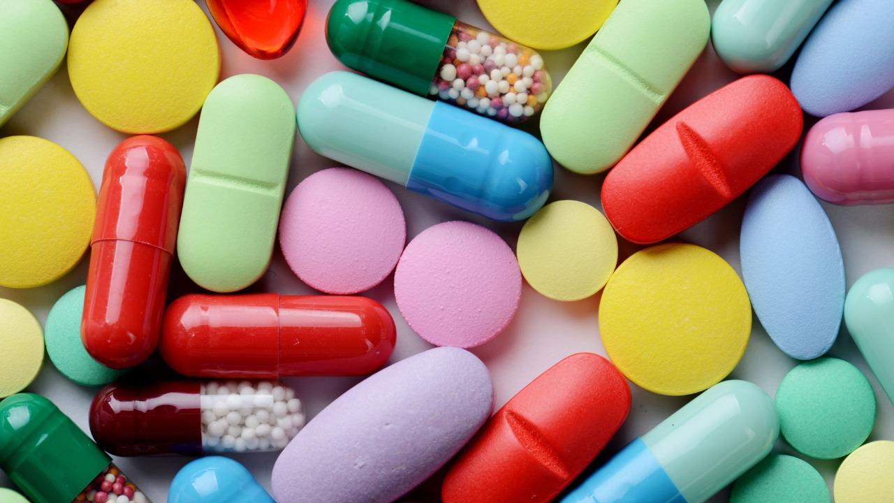 Precios de medicamentos oncológicos suben hasta 142% cuando se venden al Estado