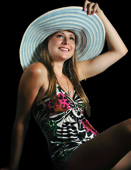 femme_chapeau_tiram_687