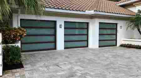 Fast and reliable garage door maintenance services in for Honest garage door service