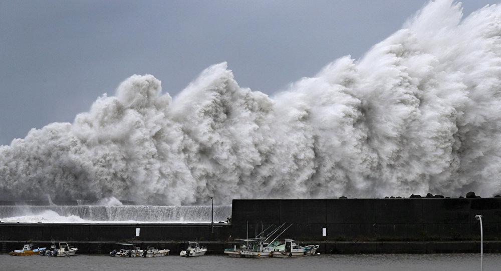 Тайфун «Джеби» оставил без электричества села трех районов Сахалина