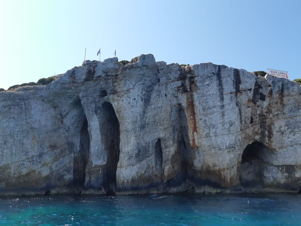 Правильный мужской отдых в Греции.