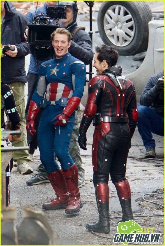 Khó đỡ với loạt biểu cảm của Captain America trên phim trường The Avengers 4 - ảnh 2